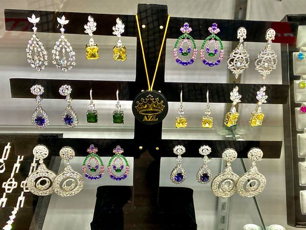 midtown-pawn-and-jewelry-fort-myers-anna-zuckerman-luxury-earrings