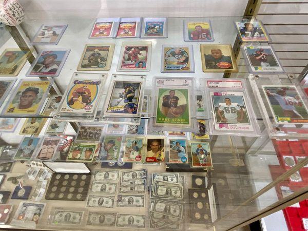 midtown-pawn-and-jewelry-fort-myers-baseball-cards-1