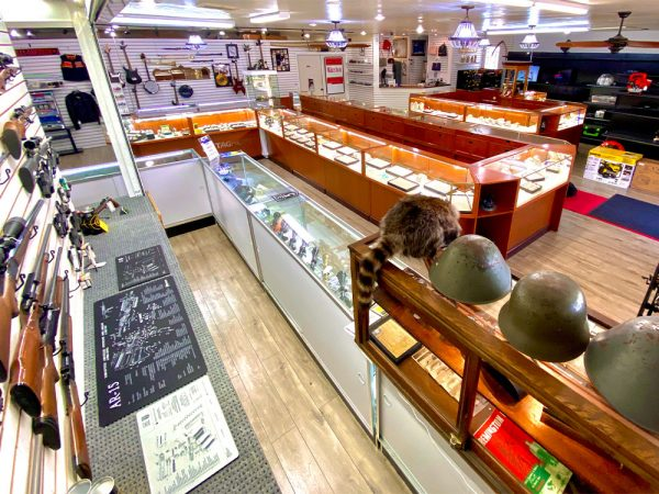 midtown-pawn-and-jewelry-fort-myers-store-interior