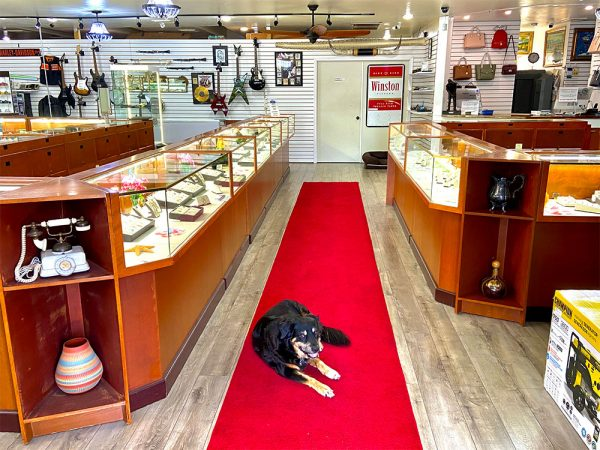 midtown-pawn-and-jewelry-fort-myers-store-interior-entrance