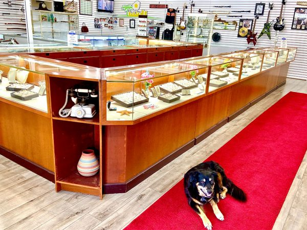 midtown-pawn-and-jewelry-fort-myers-store-interior-jewelry